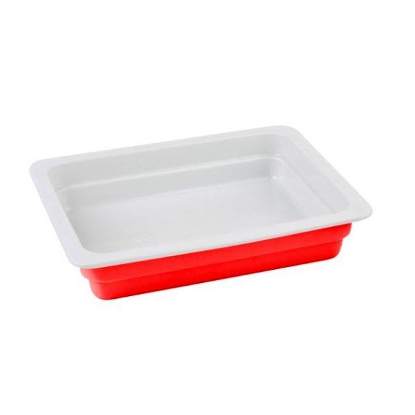 červený litinový talíř